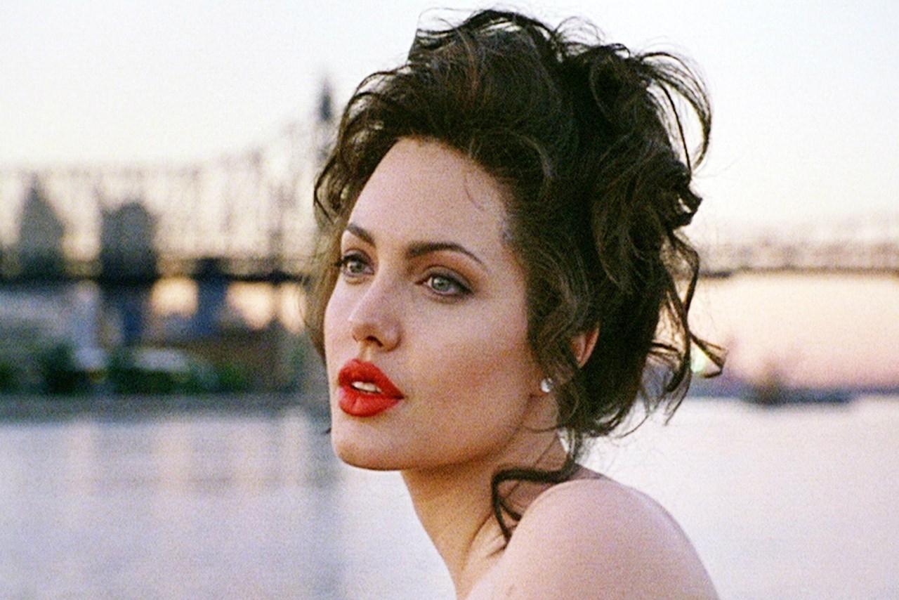 Angelina Jolie em 'Gia — Fama e Destruição' (1998). (Foto: Reprodução)