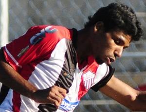 Rodolfo, atacante do Serra (Foto: Fábio Vicentini/A Gazeta)