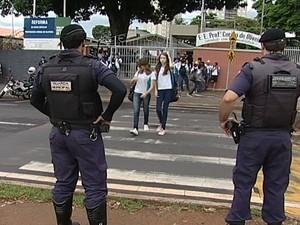 Guarda Municipal realiza operação Escola Segura (Foto: Reprodução/TV Integração)