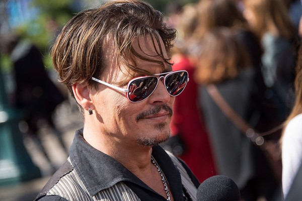 Johnny Depp na première europeia do último Piratas do Caribe (Foto: Getty)