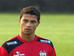 Ricardo Bueno em treino do Atlético-GO (Foto: Reprodução/TV Anhanguera)