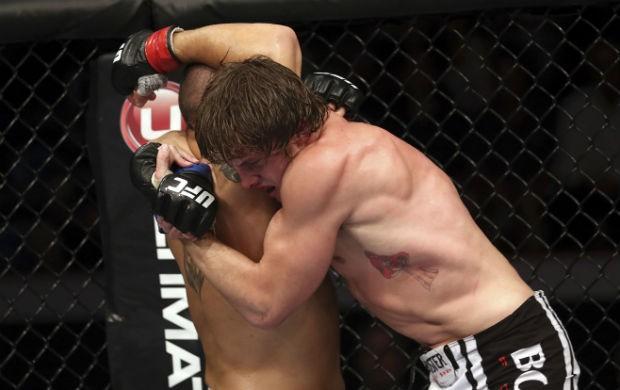 Matt Riddle finaliza Chris Clements no UFC 149, no Canadá (Foto: Getty Images)