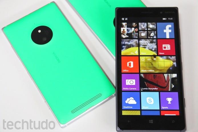 Lumia 830 tem Windows Phone 8.1 Denim, câmera de 10 megapixels e processador quad-core (Foto: Fabrício Vitorino/TechTudo)