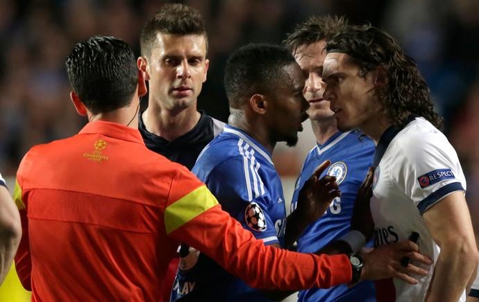 Eto'o e Cavani Chelsea x PSG (Foto: AP)