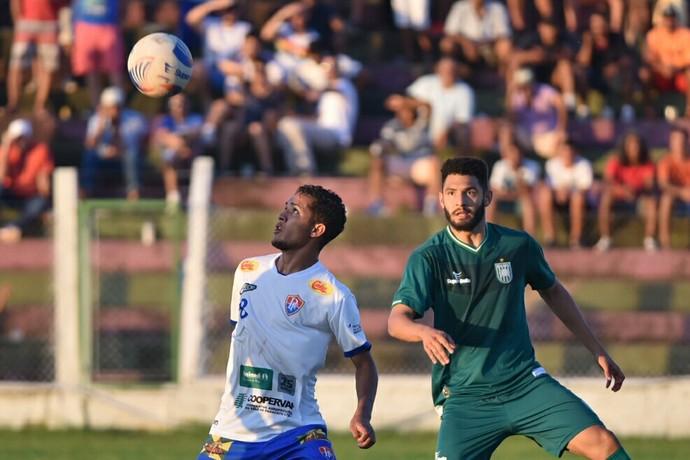 Paracatu x Gama Candangão (Foto: Ricardo Botelho / Artmídia Press)