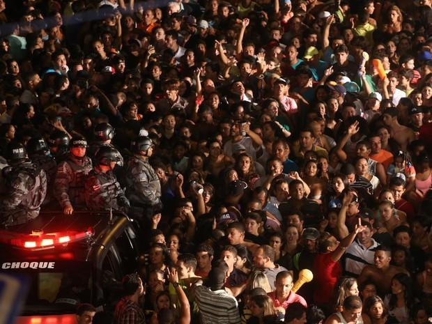 Polícia Militar acompanha a festa e garante tranquilidade do Pré-Caju 2014 (Foto: Fernando Correa/G1)