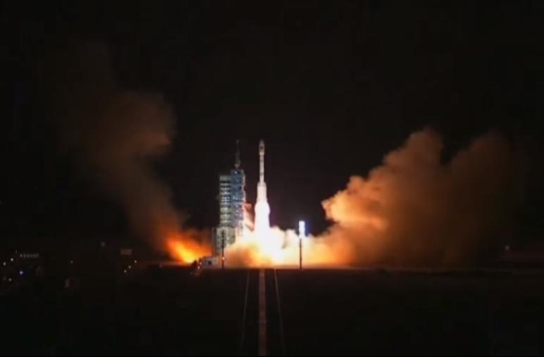 Módulo Tiangong 2 foi lançado na manhã desta quinta (15) a bordo de um foguete Long March 2F T2 (Foto: Reprodução)