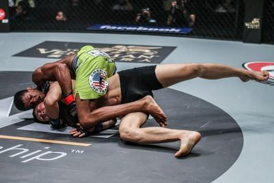 Adriano Mikinho vence Tylek Batyrov (Foto: Divulgação/ONE)