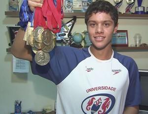 Felipe Souza Ribeiro Natação Medalhas (Foto: Reprodução / TVTribuna)