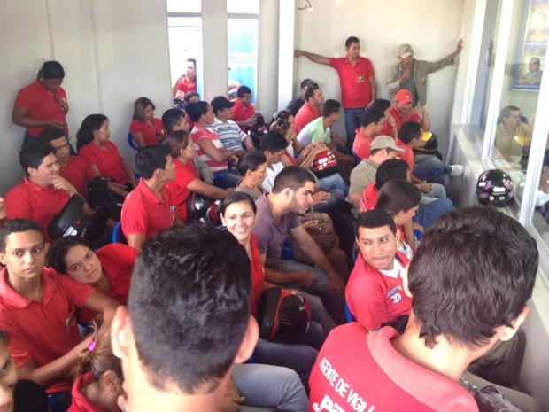 Agentes de endemias de Cruzeiro do Sul participam de reunião com gestores públicos (Foto: Genival Moura/G1)