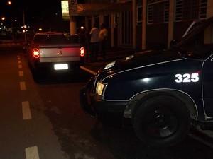 Comerciante bate picape em viatura da Guarda Municipal em Valinhos, SP (Foto: Divulgação/Guarda Municipal de Valinhos)