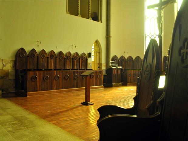 Coro no Mosteiro de Claraval, MG (Foto: Lucas Magalhães / EPTV)