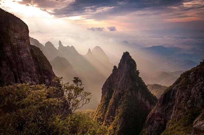 Esta foto no Parque Nacional da Serra dos Órgãos venceu o concurso nacional em 2014 (Foto: Carlos Perez Couto)