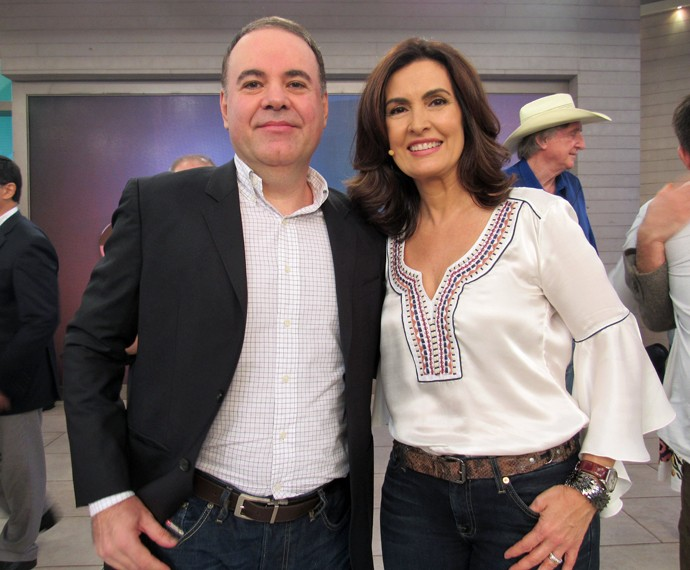 Eduardo Ferraz tira foto com Fátima Bernardes (Foto: Priscilla Massena/Gshow)