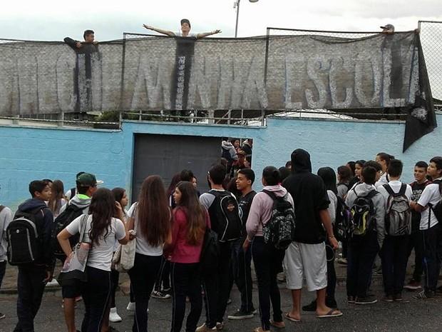 Estudantes ocupam mais uma escola em Sorocaba (Foto: Apeoesp Sorocaba/Divulgação)