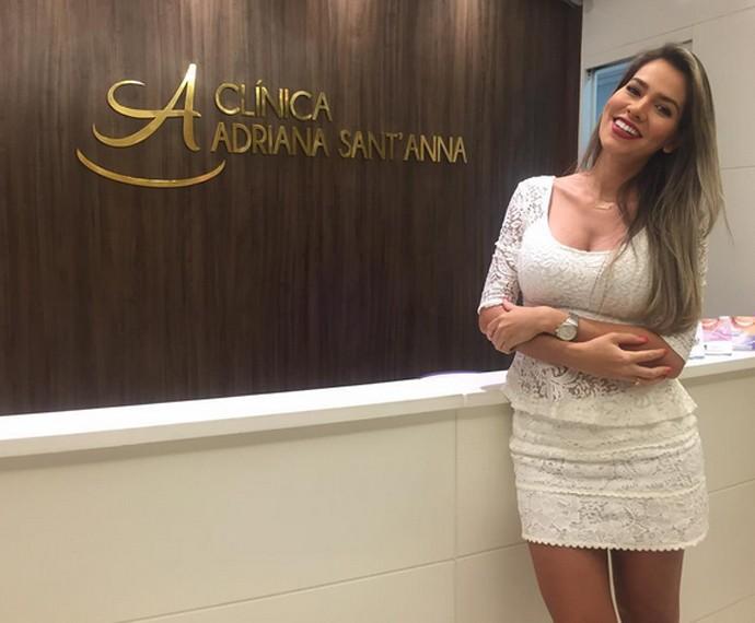 Adriana Sant'Anna abriu clínica dentária e realizou sonho de ter seu próprio negócio (Foto: Arquivo Pessoal)