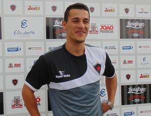 Jonatas Belusso, atacante do Botafogo (Foto: Divulgação / Botafogo-PB)