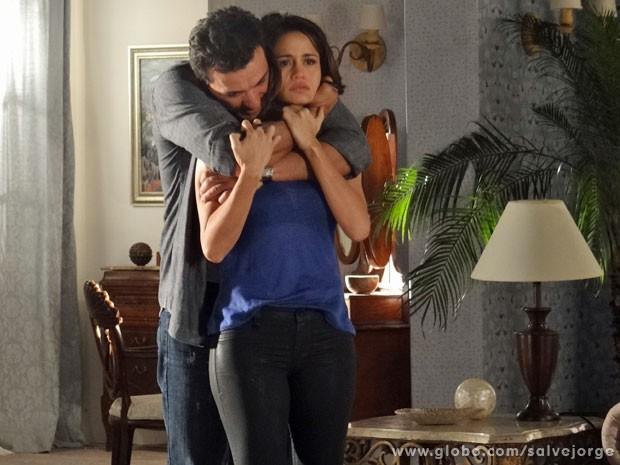 Morena teme contar a verdade para Théo (Foto: Salve Jorge/TV Globo)
