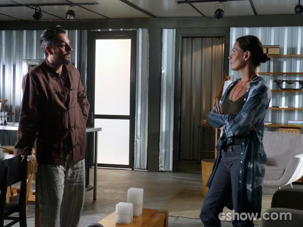 Tereza e Hermes pensam em eliminar Lili (Foto: Além do Horizonte/TV Globo)