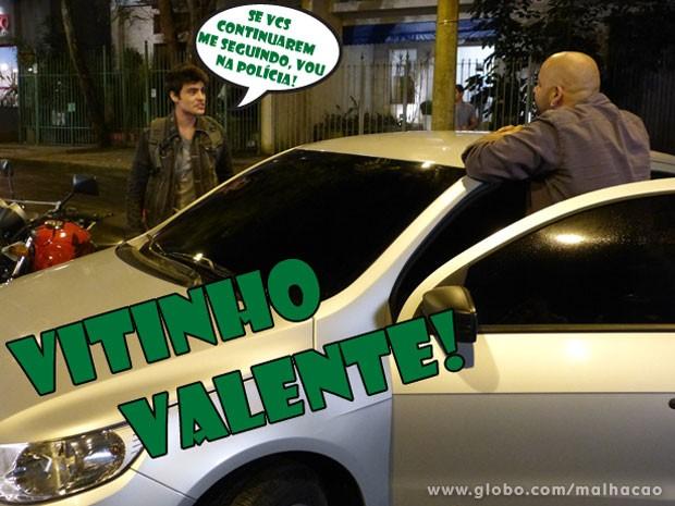 Vitor tá valente! Encarou os bandidos na moral! (Foto: Malhação / Tv Globo)