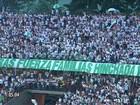 Torcedores do Atlético Nacional homenageiam a Chapecoense