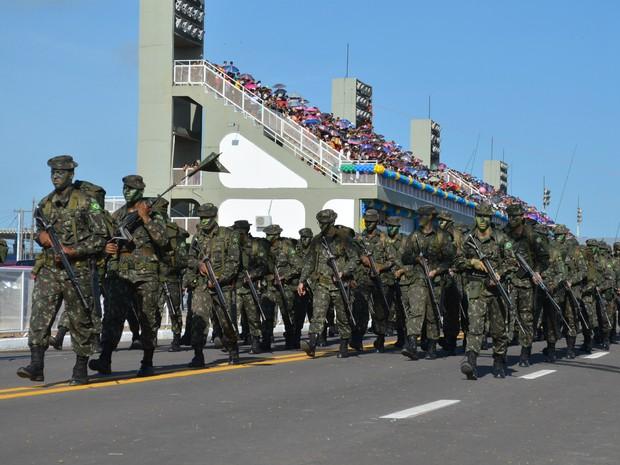Desfile cívico de 7 de Setembro, Dia da Independência, em Macapá (Foto: Fabiana Figueiredo/G1)
