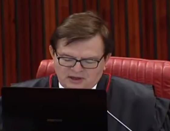 Ministro Herman Benjamin durante julgamento da chapa Dilma e Temer. (Foto: Reprodução)
