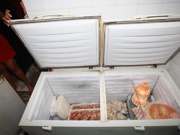 Ladrão rouba doceria e se esconde em freezer (Foto: Rogério Soares/ Jornal A Tribuna)