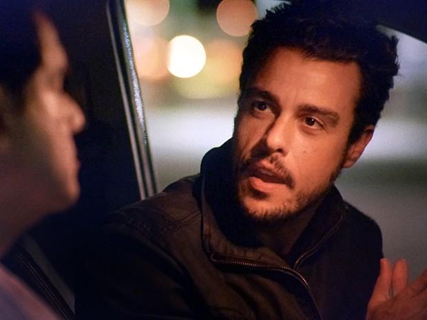 'Fui eu mesmo quem distribuiu os convites para os sem-teto', confessa Enrico (Foto: TV Globo)
