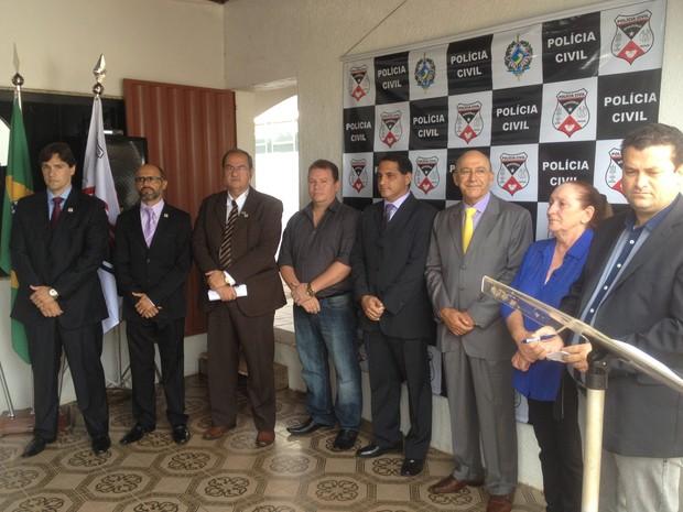 Governador e autoridades estiveram na inauguração da Draco nesta quinta-feira, 5 (Foto: Karla Cabral/G1)