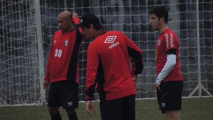 Adilson Batista Marcelo Costa Gustavo Sauer Joinville (Foto: João Lucas Cardoso)