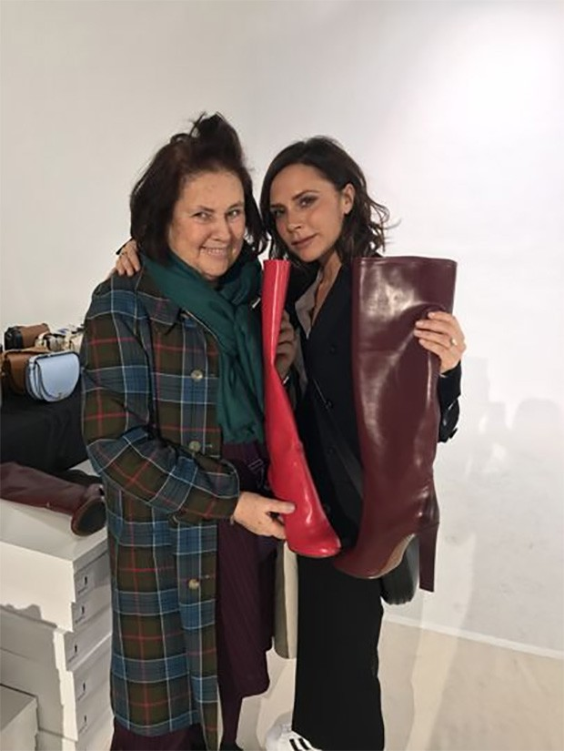 Suzy Menkes with Victoria Beckham and her powerful boots for Autumn/Winter 2017 (Foto: @suzymenkesvogue)