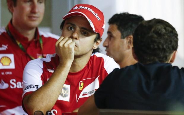 Felipe Massa com seu empresário Nicolas Todt. Dupla está analisando diversas opções (Foto: EFE)