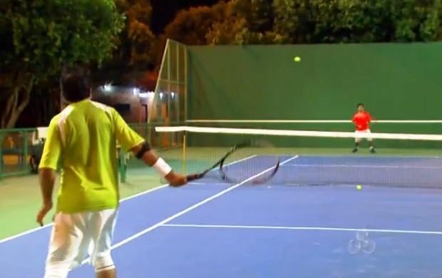 Jogadores de tênis treinam para competição (Foto: Globo Esporte)