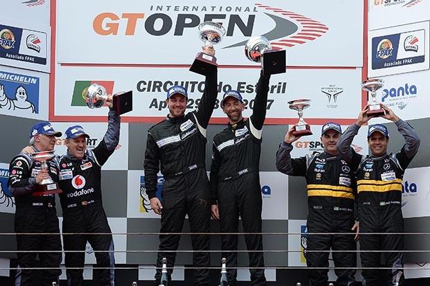 Pódio da GT Open categoria AM com Marcio Basso e Nonô Figueiredo em P3 na corrida 2 (Foto: Divulgação/FOTOSPEEDY)