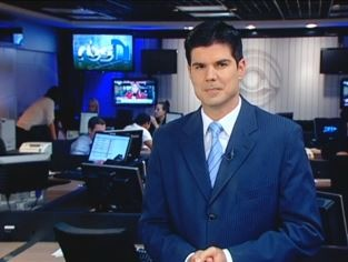 Fabian Londero apresenta o RBS Notícias (Foto: Reprodução/RBS TV)