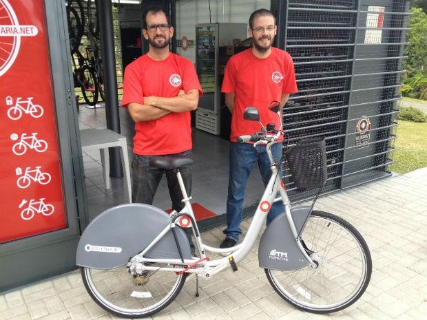 Os idealizadores do serviço locação de bicicletas em Curitiba estão otimistas  (Foto: Thais Kaniak / G1 PR)