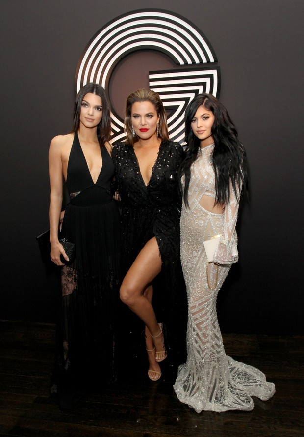 Kendall Jenner, Khloe Kardashian e Kylie Jenner em festa em Los Angeles,  nos Estados d9905d7e76