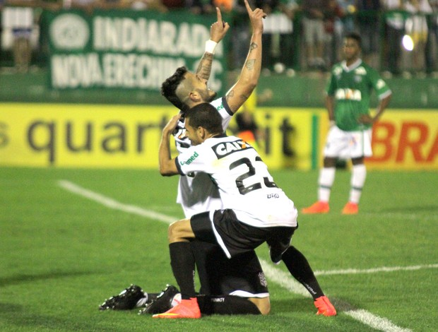 comemoração do Figueirense contra o Chapecoense (Foto: Getty Images)