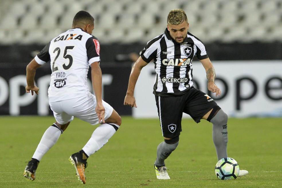 Botafogo x Atlético-MG  (Foto: Agência Estado)