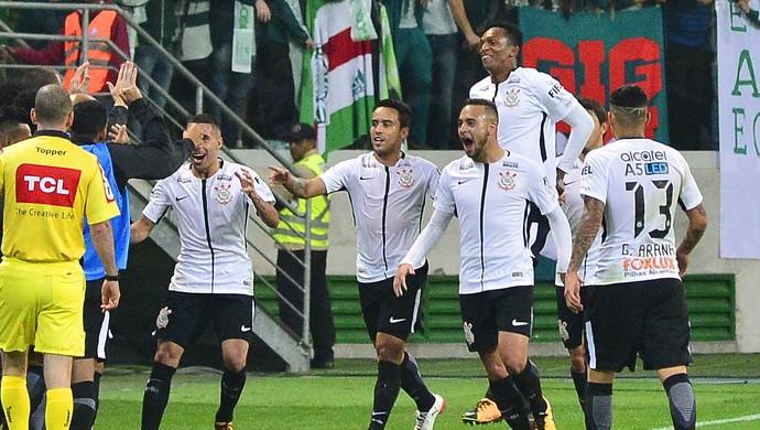 Jadson gol Palmeiras x Corinthians (Foto: Marcos Ribolli)