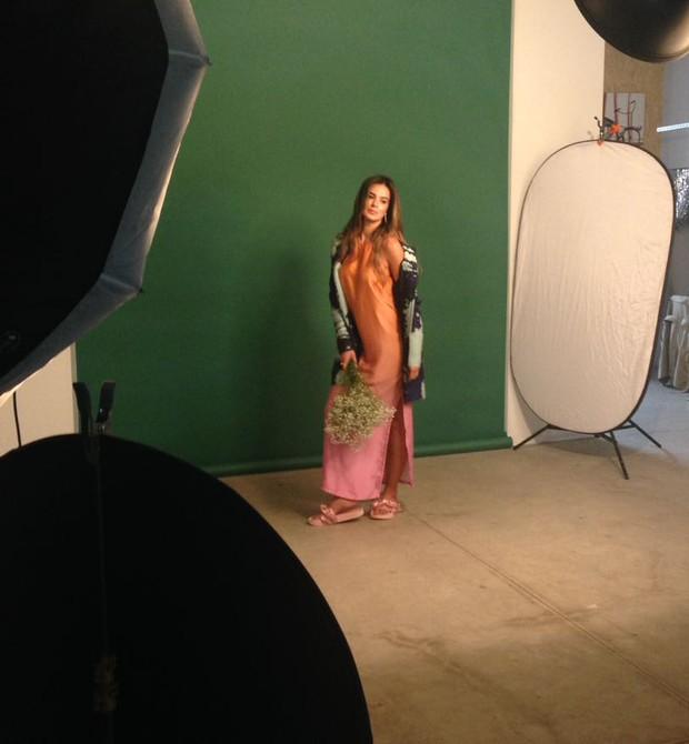Vera Viel durante ensaio para nosso editorial de moda (Foto: Ana Paula Pontes)