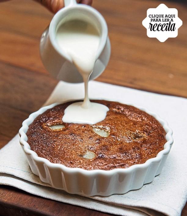 Torta della nona, feita com chocolate cremoso, amêndoas, ricota e peras (Foto: Lufe Gomes / Editora Globo)