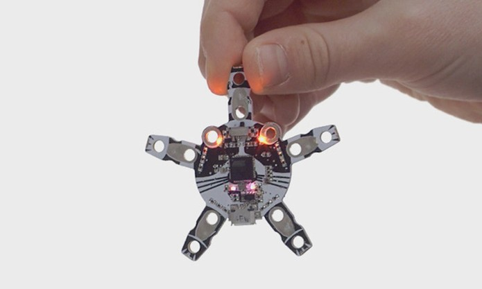 Quirkbot é equipado com sensores, luzes LED e motores (Foto: Divulgação/Kickstarter)