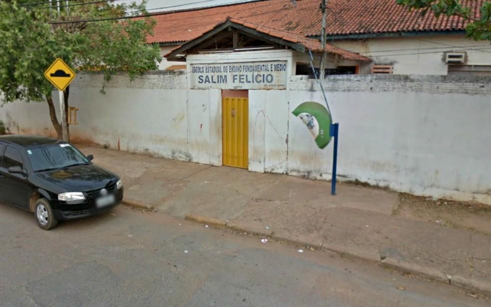 Caso de agresão foi registrado dentro da Escola Estadual Salim Felício, em Cuiabá (Foto: Google Maps/Reprodução)