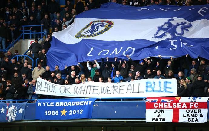 Chelsea x Burnley -faixa contra racismo (Foto: Getty)