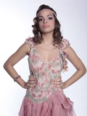 Raquel Villar não se acanha com a nudez em cena (Foto: Gabriela / TV Globo)