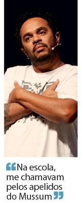 Marcelo Marrom, do espetáculo Comédia  em preto e branco e do programa Altas horas (Foto: Marcos Ramos/AG O Globo)