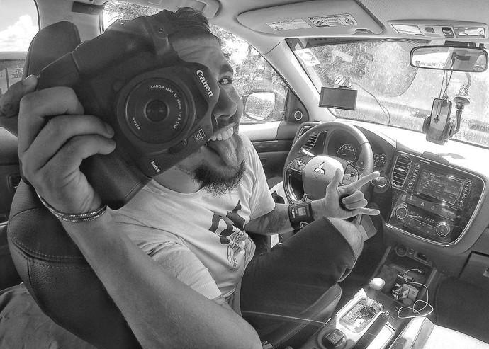 """""""Não me considero um fotógrafo, mas gosto das minhas fotos. Eu estudei pra aprender a trabalhar com a câmera profissional"""", revela (Foto: arquivo pessoal)"""