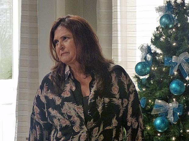 Jurema quer saber se Cora está envolvida no sumiço de Jairo (Foto: Gshow)